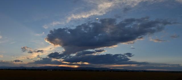 dark-stratus-cloud-sunset-2013-08-10